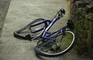 A trusted Phoenix bicycle accident lawyer points out some bicycle accident statistics, as well as riding safety tips, for Bicycle Safety Month.